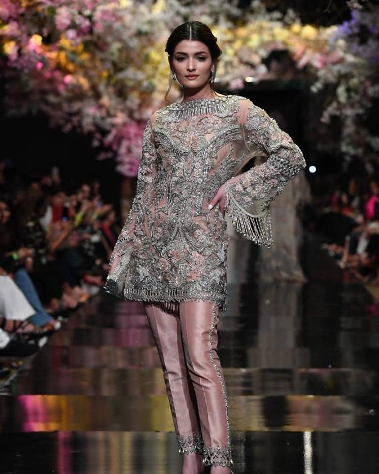 5029591842 KARACHI: Fashion Pakistan Week Spring/Summer 2019 started off with a bang  with Sana Safinaz opening a very memorable solo show on Tuesday night at  the ...