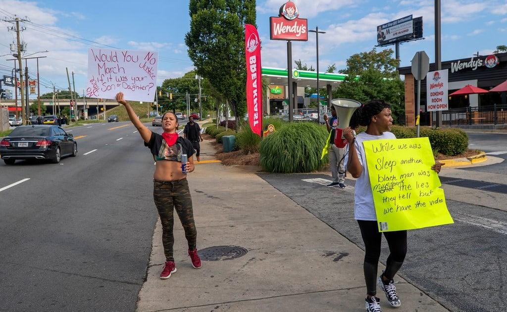 Atlanta police shoots