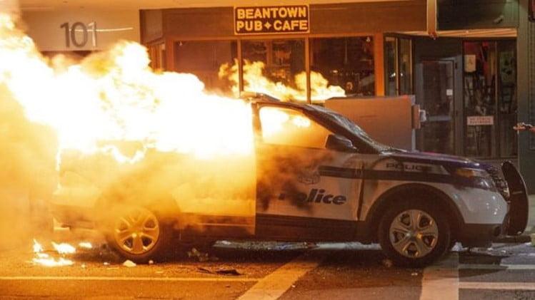 US riots-2